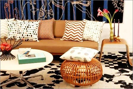 Decorating With Pillows Alluring Of Decorate with Throw Pillows in Living Room Photo